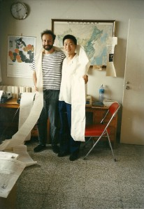 Augusto Soto with staff member of the Spanish News Agency Efe, June 1989